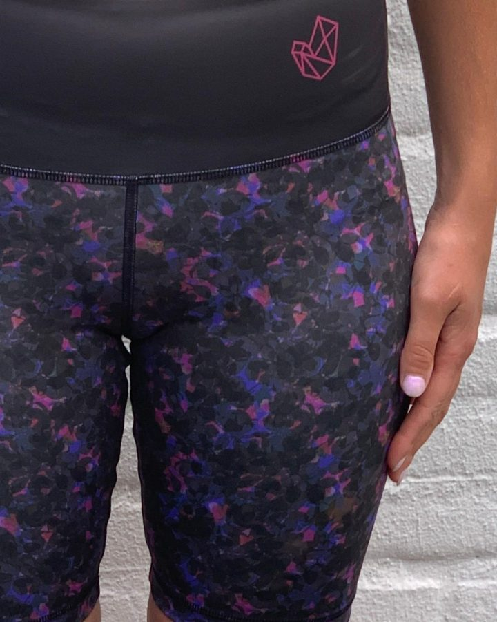 LaRocha_purple_chaos_sportlegging_sporttigh_sportswear_tight_legging_colorful_kleurrijk_shorttight_short_kortebroek